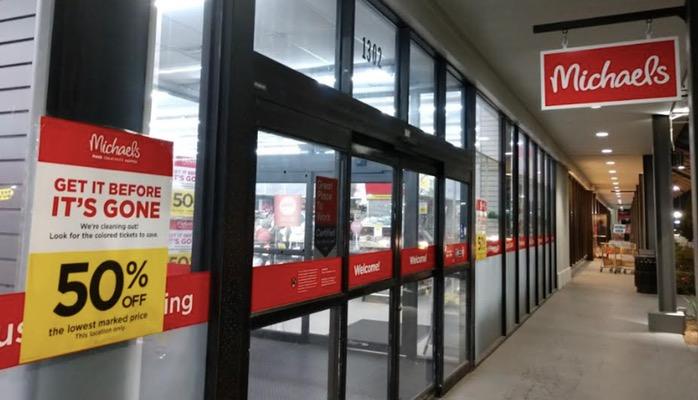 Michaels Closing Elmwood Store